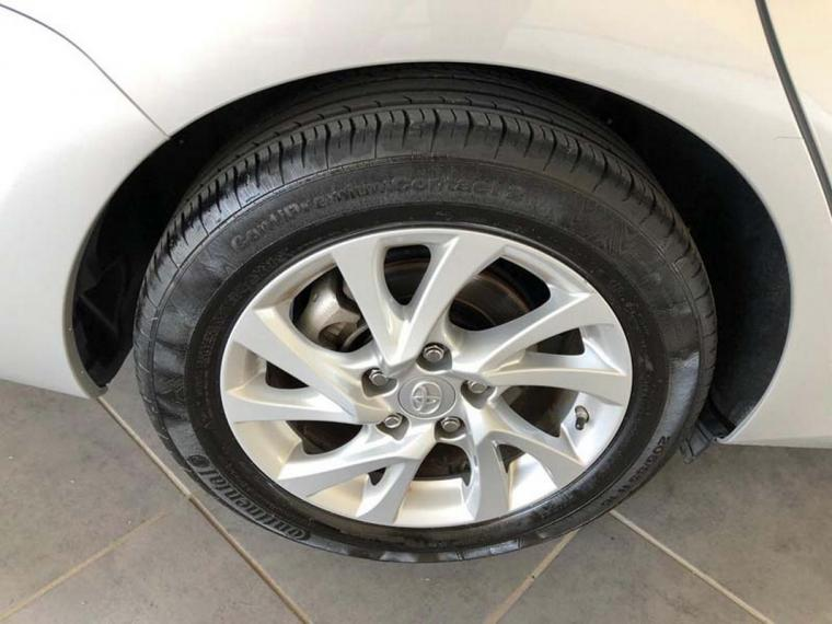 Toyota Auris TS Hybrid 1.8 Hybrid Business Touring Sports 2016 15