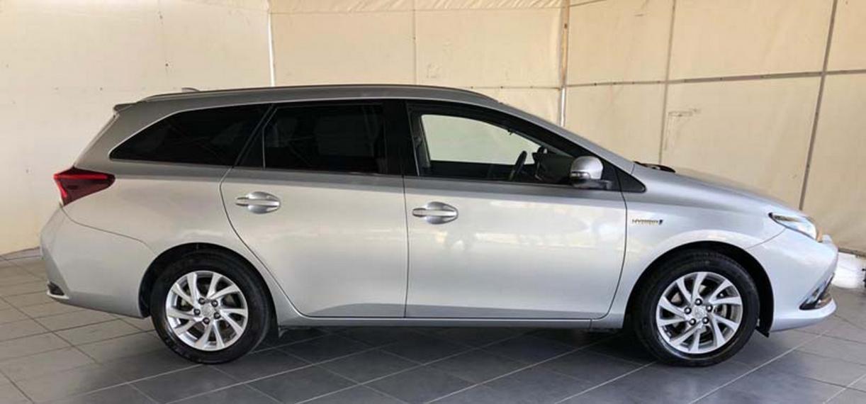 Toyota Auris TS Hybrid 1.8 Hybrid Business Touring Sports 2016 4