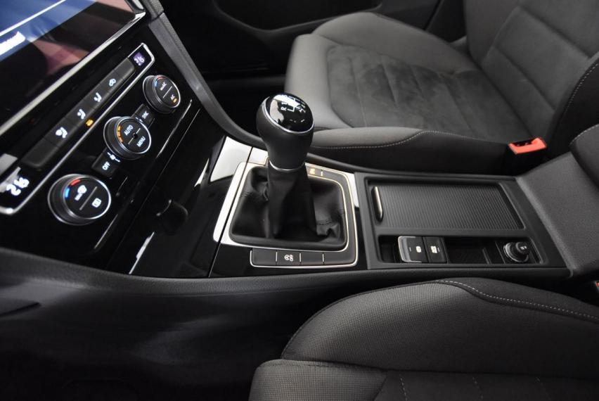 Volkswagen Golf 2.0 TDI 5p. Executive BMT 2017 16