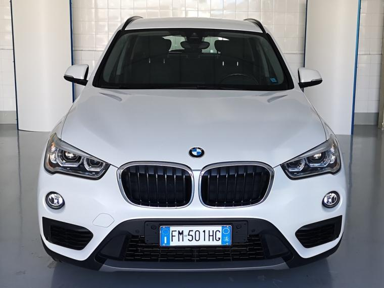 BMW X1 sDrive 18d Business 2017 1