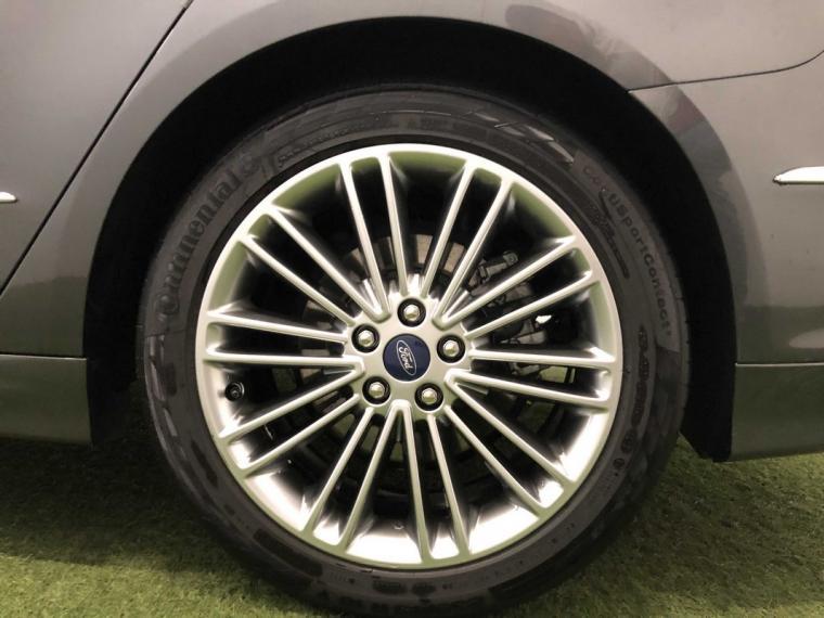 Ford Mondeo Hybrid 2.0 187 CV eCVT Vignale 4p. 2018 16