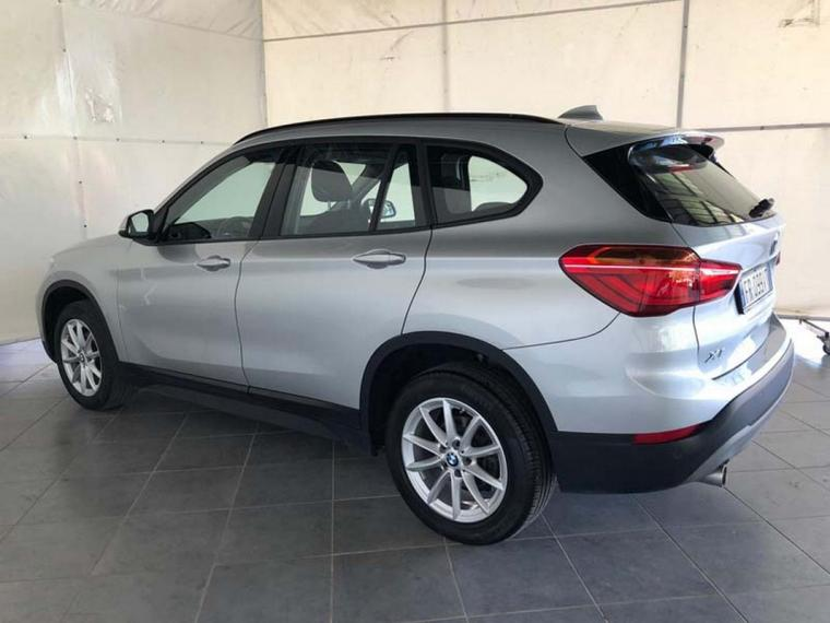 BMW X1 sDrive16d Business 2018 1