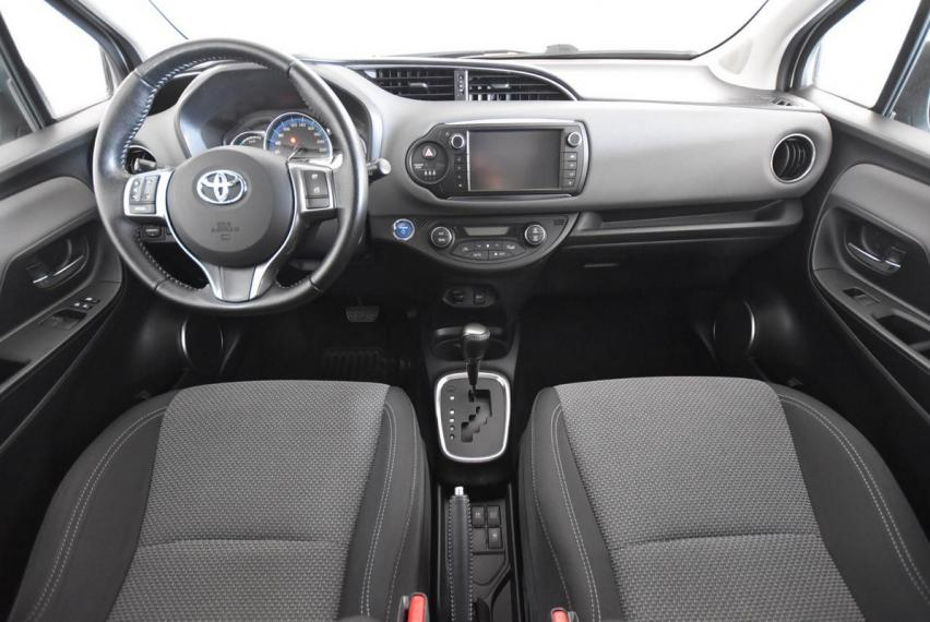 Toyota Yaris Hybrid 1.5 Hybrid 5p. Business 2015 13