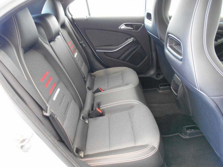 Mercedes-Benz Classe A A 180 d Business 2015 9