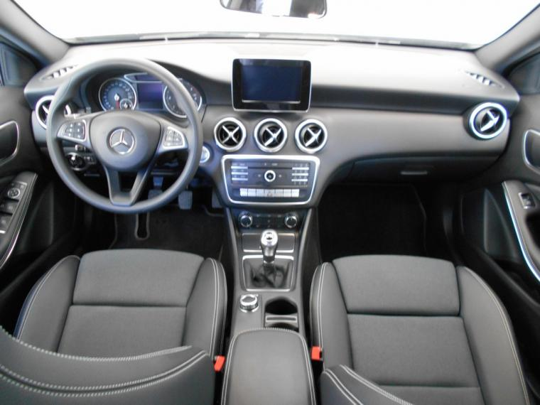 Mercedes-Benz Classe A A 180 d Business 2015 10