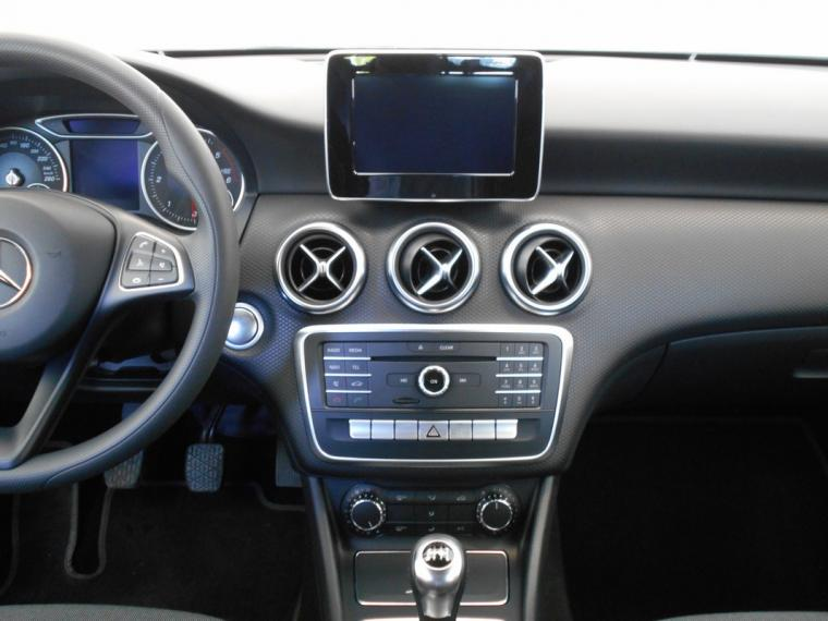 Mercedes-Benz Classe A A 180 d Business 2015 12