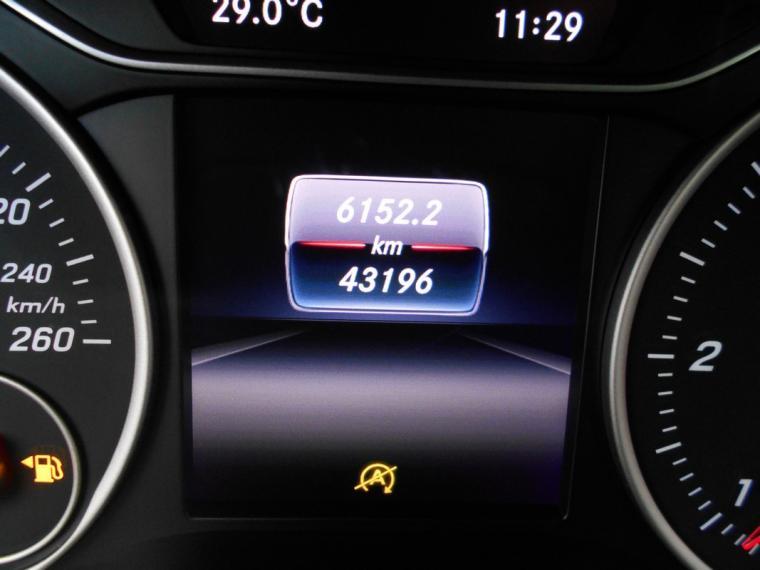 Mercedes-Benz Classe A A 180 d Business 2015 13