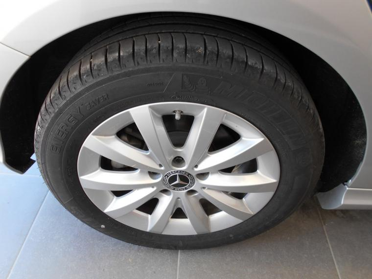 Mercedes-Benz Classe A A 180 d Business 2015 14