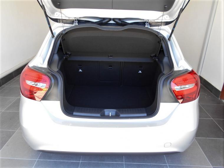 Mercedes-Benz Classe A A 180 d Business 2015 5