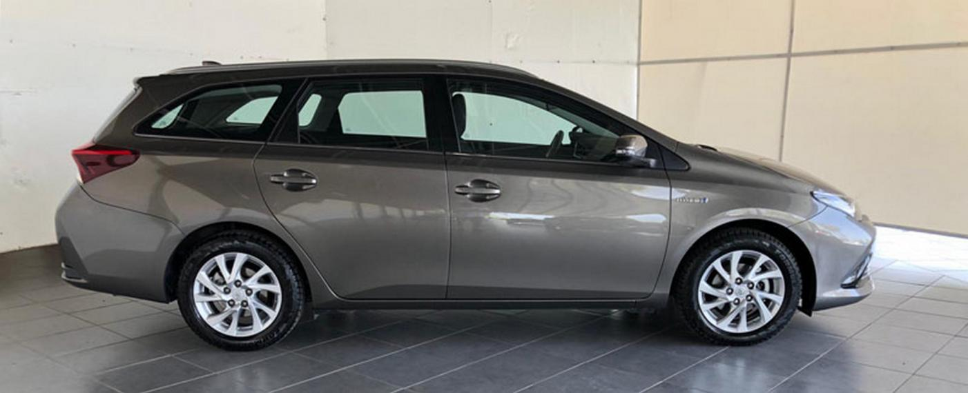 Toyota Auris Hybrid TS 1.8 Hybrid Business Touring Sports 2017 4