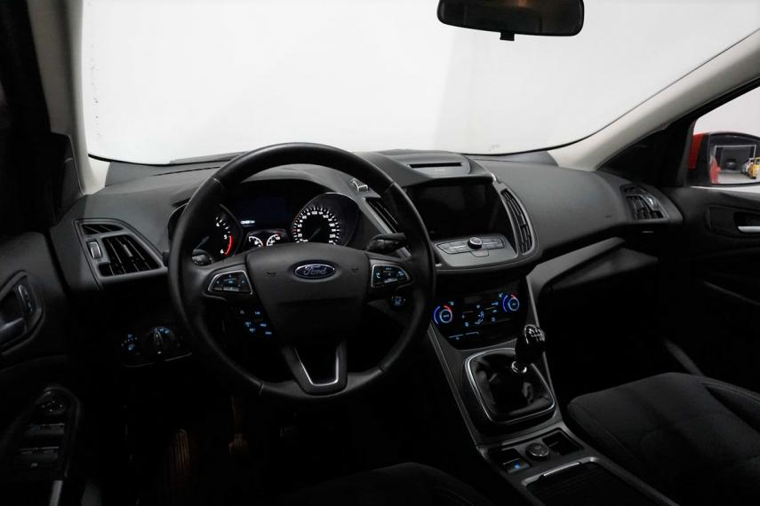 Ford Kuga 1.5 TDCI 120 CV S&S 2WD Business 2016 14