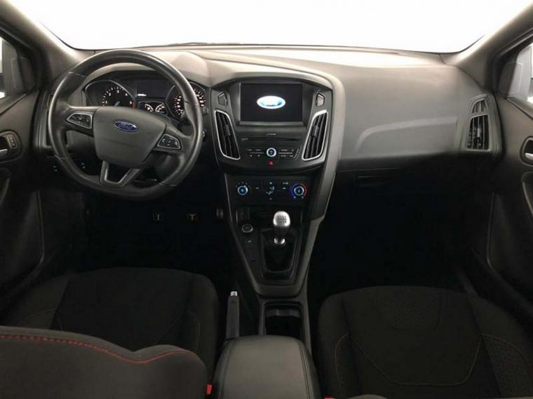 Ford Focus SW 1.5 TDCi 120 CV S&S ST Line Station Wagon 2016 12