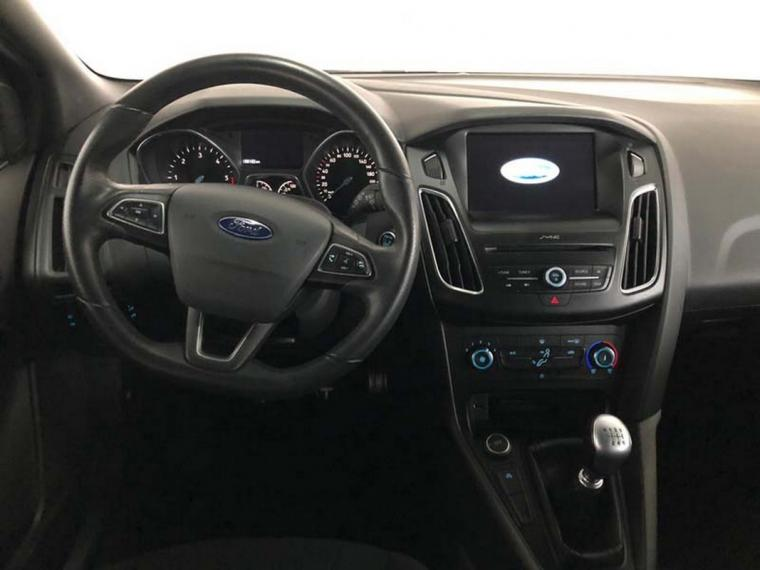 Ford Focus SW 1.5 TDCi 120 CV S&S ST Line Station Wagon 2016 14