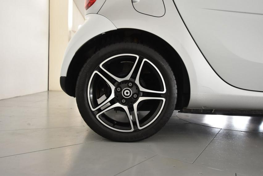 Smart fortwo 90 0.9 Turbo Proxy 2014 18