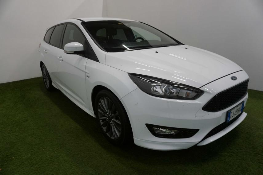 Ford Focus SW 1.5 TDCi 120 CV S&S ST Line Station Wagon 2016 4