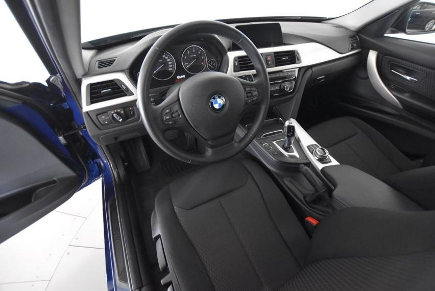 Bmw Serie 3 Touring 318d Business Advantage aut. 2017 13
