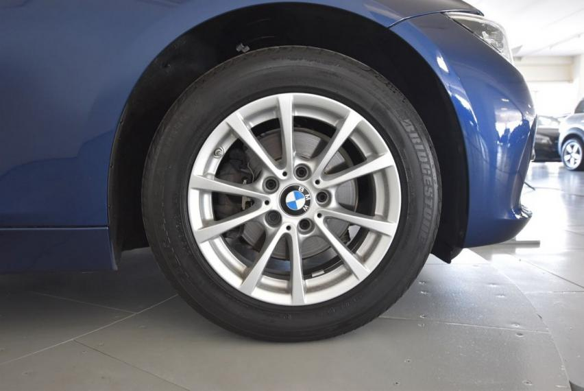 Bmw Serie 3 Touring 318d Business Advantage aut. 2017 21