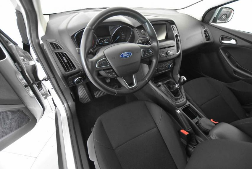Ford Focus SW 1.5 TDCi 120 CV S&S Business Station Wagon 2015 9