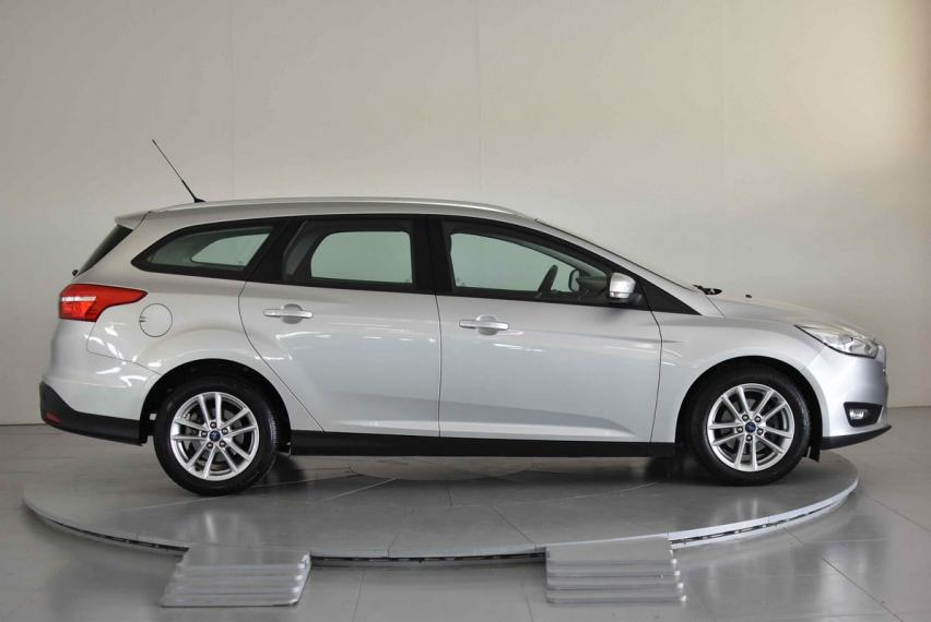 Ford Focus SW 1.5 TDCi 120 CV S&S Business Station Wagon 2015 4
