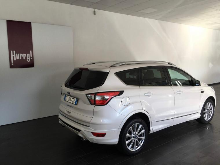 Ford Kuga 2.0 TDCI 150CV S&S Vignale 2WD 2016 3