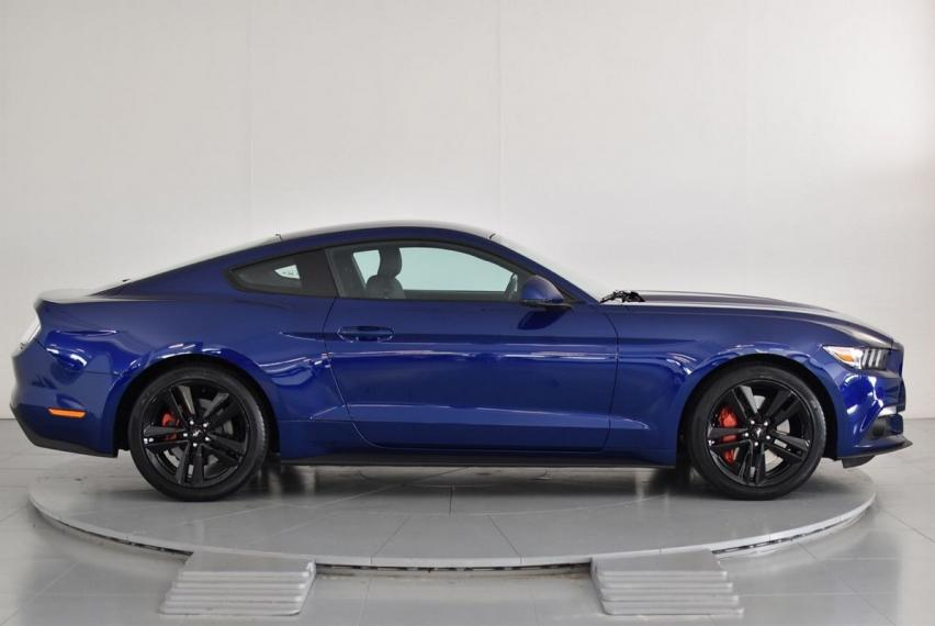 Ford Mustang Fastback 2.3 EcoBoost 2015 4
