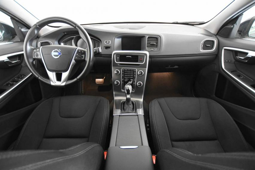 Volvo V60 D3 Geartronic Business 2013 12