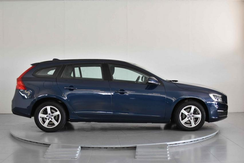 Volvo V60 D3 Geartronic Business 2013 4