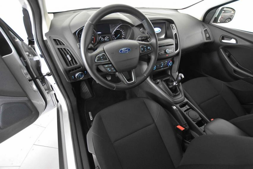 Ford Focus SW 1.5 TDCi 95 CV S&S Business Station Wagon 2015 13