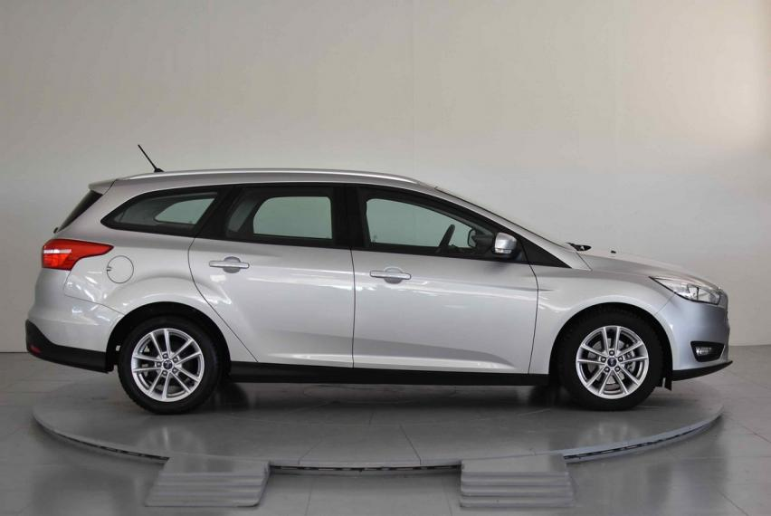 Ford Focus SW 1.5 TDCi 95 CV S&S Business Station Wagon 2015 4