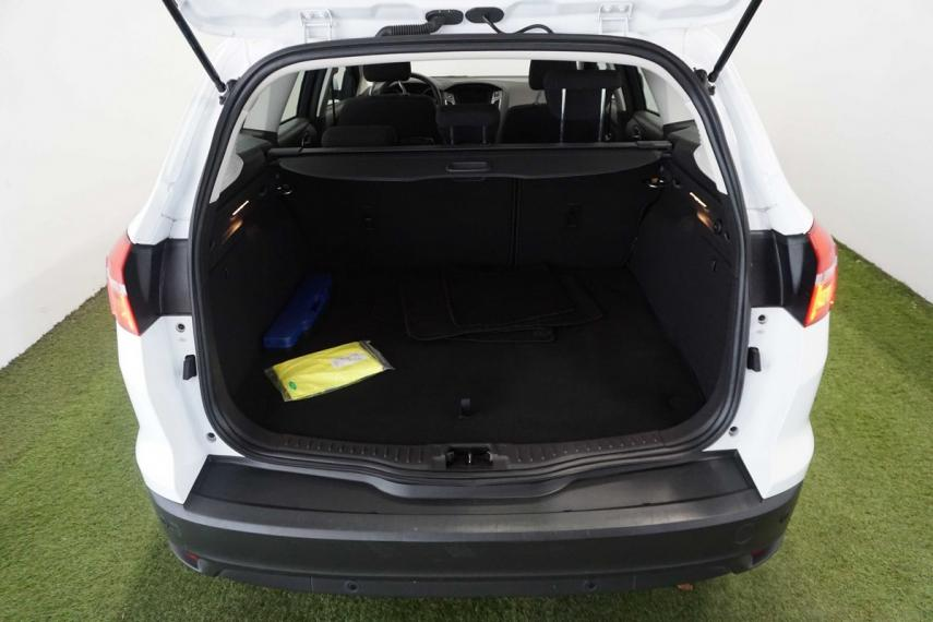 Ford Focus SW 1.5 TDCi 120 CV S&S Business Station Wagon 2015 6