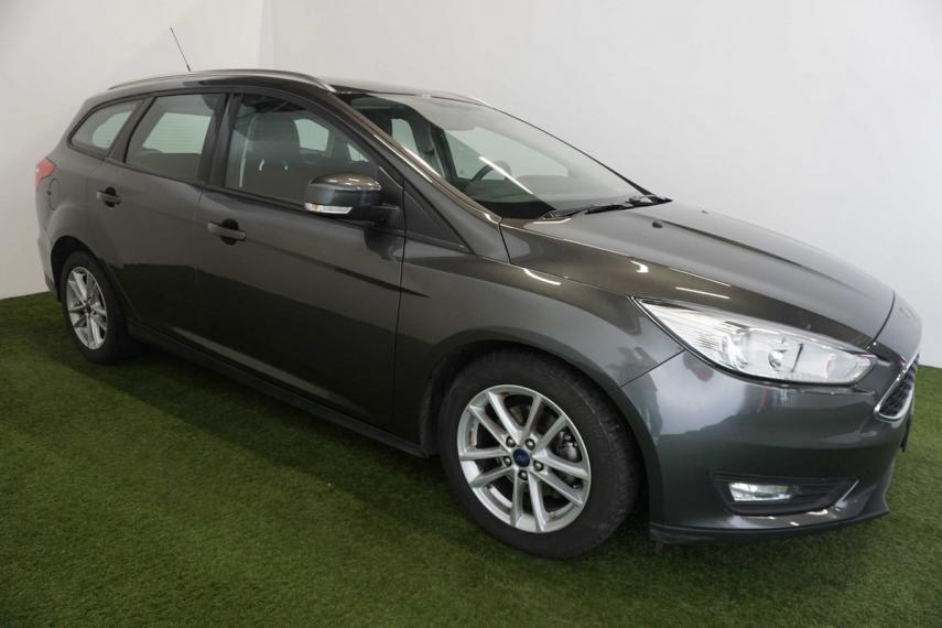 Ford Focus SW 1.5 TDCi 120 CV S&S Powershift Business Station Wagon 2015 4