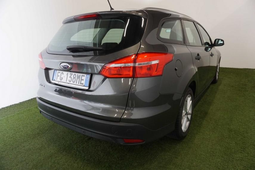 Ford Focus SW 1.5 TDCi 120 CV S&S Powershift Business Station Wagon 2015 5