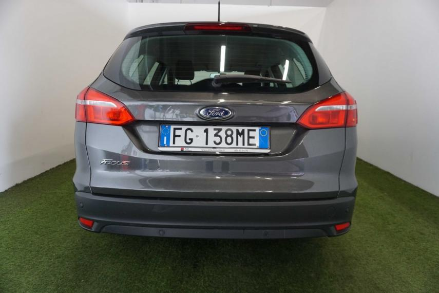 Ford Focus SW 1.5 TDCi 120 CV S&S Powershift Business Station Wagon 2015 6
