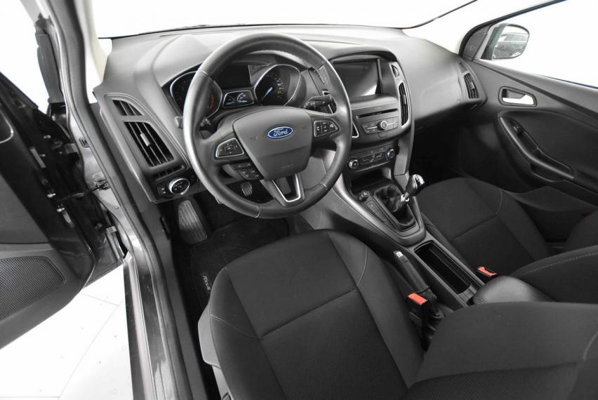 Ford Focus SW 1.5 TDCi 120 CV S&S Business Station Wagon 2015 8