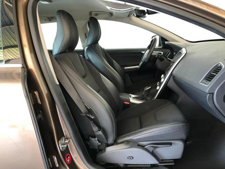 Volvo XC60 D4 AWD Geartronic Business Plus 2016 10